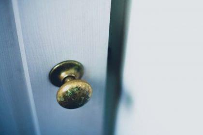 ドアを開けるよ