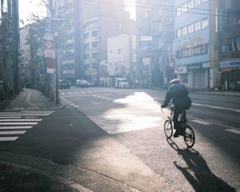 早稲田通りの朝